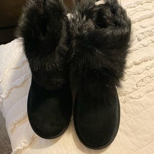 UGG Valentina Genuine Shearling Cuff Boot